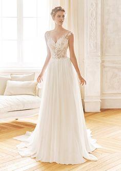 Gefunden Bei Happy Brautmoden Brautkleid Elegant Elegantes Brautkleid La Sposa Spitze Spitzenkleid Edel Elegant Fl Brautmode Kleider Hochzeit Brautkleid