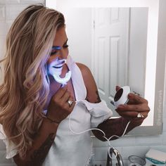 Looking for the best way to whiten sensitive teeth? Mint Smilebar's whitening gel contains desensitizing agents to help alleviate teeth sensitivity when whitening. Tooth Sensitivity, Whitening Kit, Light Shades, Dreadlocks, Mint, Hair Styles, Beauty, Fashion, Hair Plait Styles