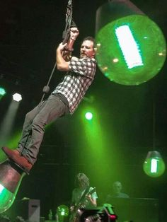 Eddie Vedder swinging