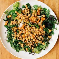 Comida exprés: ensalada verde con garbanzos