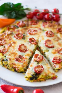polenta pizza with spinach, bell pepper, carrots and tomatoes - a quick . Simple polenta pizza with spinach, bell pepper, carrots and tomatoes - a quick . Quick Recipes, Veggie Recipes, Baby Food Recipes, Pasta Recipes, Cooking Recipes, Healthy Recipes, Budget Recipes, Polenta Pizza, Quick Meals For Kids