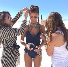 Behind the scenes in white sands, New Mexico. Hair & makeup by: Marisa & @penelopevazquez
