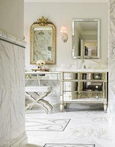 Marble bathroom with mirror cabinets Vintage Bathrooms, Dream Bathrooms, Beautiful Bathrooms, Marble Bathrooms, Glamorous Bathroom, French Bathroom, White Bathroom, Master Bathroom, Bathroom Bath