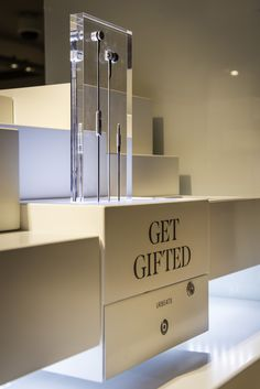 MA   Beats by Dr Dre   Harrods   December 2015   GetGifted Display Design, Store Design, Retail Fixtures, Visual Merchandising Displays, Phone Shop, Retail Experience, Shop Window Displays, Windows Phone, Retail Space