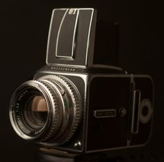 My fav camera...Hasselblad!! This is what my dad uses to shoot!!