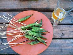 36 Things To Grill Other Than A Burger: Okra skewers Grilled Okra, Grilled Vegetables, Veggies, Summer Grill Recipes, Grilling Recipes, Low Carb Vegetarian Recipes, Healthy Recipes, Grill Party, Bbq Party