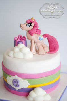 My Little Pony  Cake by DeliciaDesigns