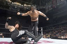 Photo Gallery of the Undertaker: Undertaker vs. The Great Khali