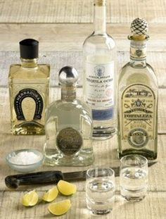 テキーラとくれば塩にレモンのご準備も 洋酒好きのリキュール写真日記