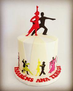 Ballroom dance cake. Bolo danças de salão.  #ballroomdance #ballroomdancecake #dançasdesalão #bolodanças #Clarissima
