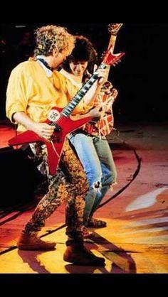 Eddie Van Halen ❤️ and Sammy Hagar 1986 Van Halen 2, Van Halen 5150, Eddie Van Halen, Van Hagar, Red Rocker, Sammy Hagar, Best Guitarist, Greatest Rock Bands, Big Photo