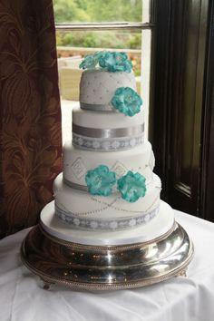 Round 4 tier wedding cake