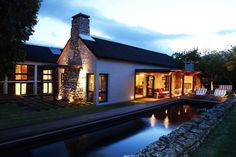 Arc Street 10 sleeper self-catering Hermanus Golf Estate, Luxury Villa, Mountain View, Jacuzzi, Dream Vacations, Night Shot, Mansions, Street, House Styles