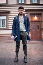 Mochilas y bolsos para hombres. Cómo llevarlas. Ideas de outfits. Mochilas para chicos