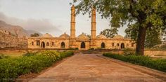 Champaner- Pavagadh, Gujarat October to February are the best months to visit Champaner Pavagadh. The Champaner-Pavagadh Archaeological Park is open all year and is a delight to visit for its Hindu and Islamic styles of design.