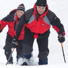 Reippailua lumikengillä Rokua Geoparkin lumisissa maisemissa ◼  Enjoy a brisk snowshoe excursion in wintery Rokua Geopark!❄ #snowshoeing #visitrokua #visitfinland #snow #finland #rokuageopark #rokua #aktiviteetti #lumikenkäily #lumi #talvi #rokuahealthspa