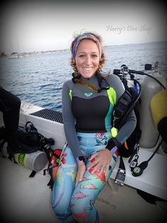 Diving Suit, Scuba Diving, Diving Wetsuits, Dive Shop, Girl In Water, Scuba Girl, Womens Wetsuit, Sport Wear, Triathlon