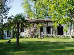 Holiday accommodation in SW France