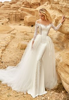 Wedding Dresses » Latest Oksana Mukha 2018    Wedding Dresses Collection »  ❤️ See    more:  http://www.weddinginclude.com/2017/06/latest-oksana-mukha-2018-wedding-dresses-collection/