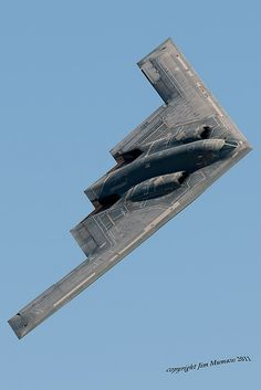 Stealth Bomber: This is one of the most nefarious looking planes I have ever seen. I saw one flying over Duncanville, Texas. It looked wicked! Military Jets, Military Weapons, Military Aircraft, Fighter Aircraft, Fighter Jets, Photo Avion, Stealth Bomber, Jet Plane, Space Travel