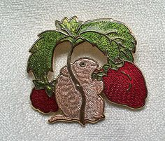 BEAUTIFUL VINTAGE CLOISONNE ENAMEL FIELD MOUSE & STRAWBERRY BROOCH/PIN FISH. SOLD.