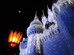 Disney Castle at Christmas time. <3