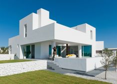 White Exterior Houses, White Houses, Architecture Design, Contemporary Architecture, Minimalist House Design, Minimalist Home, Santorini House, Santorini Greece, Greece House