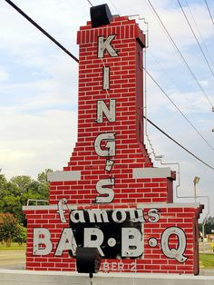 King's Bar-B-Q.Petersburg, Virginia--used to go here every Sunday with my grandparents.thanks AVL for posting Neon Signs Uk, Neon Signs For Sale, Vintage Neon Signs, Custom Neon Signs, Neon Sign Repair, Bbq World, Petersburg Virginia, Neon Open Sign, Famous Bar