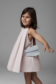 Annice from Barcelona. A new kids fashion brand launched by a pair of architects. Clean and minimalist designs. Chic, elegant and very architectural.