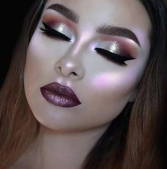 make up guide Purple Glitter Make up Inspired make up glitter;make up brushes guide;make up samples; Pretty Makeup, Love Makeup, Makeup Inspo, Makeup Art, Makeup Inspiration, Beauty Makeup, Hair Makeup, Flawless Makeup, Glamour Makeup