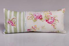 Zöld csíkos tündérpárna rózsákkal, szív applikációval. Bed Pillows, Pillow Cases, Wordpress, Home, Design, Pillows, Ad Home, Homes