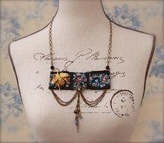 Vintage Brooch Necklace Lolita Victorian por PrettyLittleThorn