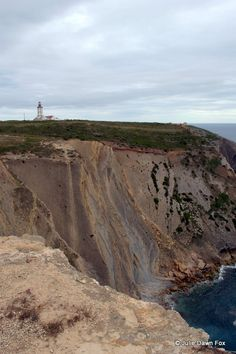 Things to See and Do in Arrábida Natural Park - via @juliedawnfox 18.03.2015 | You don't have to go far from Lisbon to find stunning landscapes and beautiful beaches. Simply head south across the River Tagus to the Serra da Arrábida Natural Park and there they are. Photo: Lighthouse, Cabo Espichel, Sesimbra