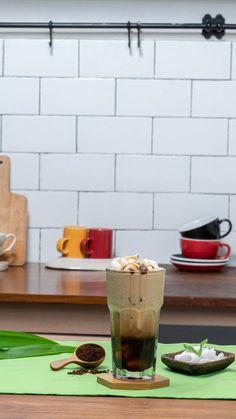 Coffee Milk, Iced Coffee, Coffee Cups, Food N, Food And Drink, Ice Cube Recipe, Coffe Recipes, Iced Latte, Oreo Dessert