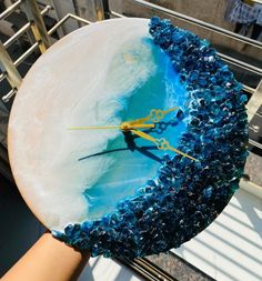 Diy Resin Art, Resin Crafts, Sell Artwork, Clear Epoxy Resin, Round Logo, Business Logo, Arts And Crafts, Clock, Creative