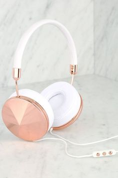 Frends with Benefits Taylor Rose Gold and White Headphones
