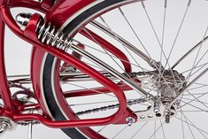 Vintage bikes are quite popular among art connoisseurs. Like everything retro, even these bikes are aesthetically appealing, innovative and obviously Scooter Moto, Motorcycle Bike, Velo Design, Bicycle Design, Cruiser Bicycle, Motorized Bicycle, Velo Vintage, Vintage Bicycles, Cool Bicycles