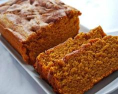 Add Variety in Your Diet: 11 Delicious, Healthy Breakfasts for Busy People Pumpkin Lights, Pumpkin Bread, Rolls Recipe, Fall Recipes, Healthy Recipes, Breakfast Recipes, Brunch Recipes, Sour Cream, Bread Recipes