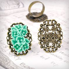 Hey, I found this really awesome Etsy listing at https://www.etsy.com/listing/88176122/5pcs-antique-brass-flower-ring-mountings