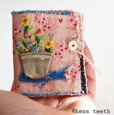hens teeth : teeny needle case : needle keep : pin keep.love the smashed thimble as a flower pot! Fabric Art, Fabric Crafts, Sewing Crafts, Sewing Projects, Fabric Books, Needle Case, Needle Book, Ribbon Embroidery, Embroidery Stitches