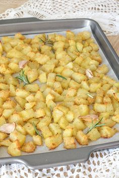 Baked sandy potatoes the recipes of Dolcissima Stefy - Chef HELEN LOG Vegetable Recipes, Vegetarian Recipes, Cooking Recipes, Italian Dishes, Italian Recipes, Slow Food, Food Humor, Macaroni And Cheese, Food And Drink