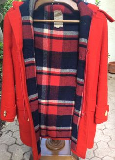 0201f567390 Vintage Red Wool Hudson s Bay Jacket Heavy Coat Wood Buttons Men s L   eBay  Auction Items