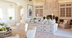 Find great cottage design ideas, contemporary furniture and home furnishings for decorating white rooms at Restyle Source today. Style At Home, Decor Pad, Family Room Design, Family Rooms, White Rooms, Home Fashion, Great Rooms, Home Interior Design, Home And Living