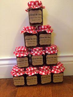 Mini jars of apple butter are the perfect Fall themed bridal shower favors. #DIYfavors  Credit: backyardbridenj.blogspot.com