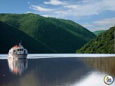 Crucero Fluvial por el Parque Natural Tajo Internacional. Merece la pena hacerlo al menos una vez.