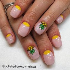 Pineapple Nails by Instagrammer @polishedlooksbymelissa