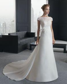 Satin wedding 2017 spring new word shoulder retro custom bride Qi long tail wedding dress