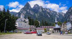 Manastirea Caraiman Romania, Mansions, House Styles, Home Decor, Park, Mansion Houses, Homemade Home Decor, Manor Houses, Fancy Houses