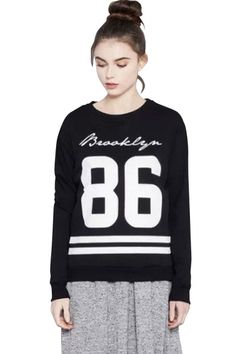 This sweatshirt will really give you a chic impression with text print, It completes with a round neckline and dropped long sleeves,ribbed trim. Team this with your favorite pair of cutoffs for an all around fashio Fashion Sweatshirts, Graphic Sweatshirt, Women's Fashion, Street Style, Hoodies, Chic, School, Long Sleeve, Sleeves