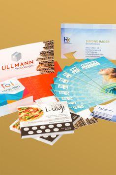 Klick dich durch die Möglichkeiten. Finde deine Visitenkarte! Business Card Design, Book Folding, Packaging